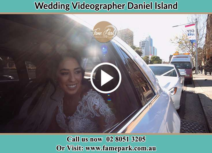Bride Inside the bridal car Daniel Island NSW 29492