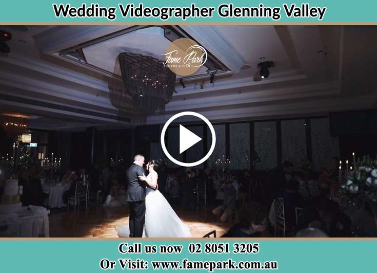 Bride and Groom at the dance floor Glenning Valley NSW 2261