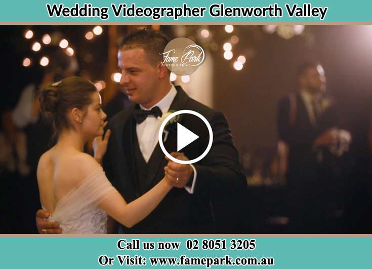Bride and Groom dance at the dance floor Glenning Valley NSW 2261